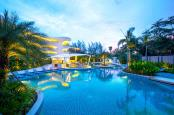 Novotel Phuket Karon Beach - Gallery - Evening pool views