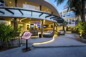 Novotel Phuket Karon Beach - Gallery - Champion Sport Bar